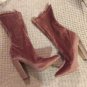 Shoes - Pint velvet boots